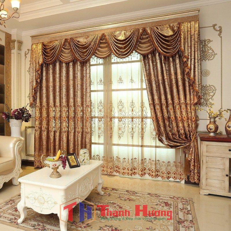 Mẫu rèm cửa phòng khách có họa tiết cùng hoa văn cầu kỳ, bắt mắt