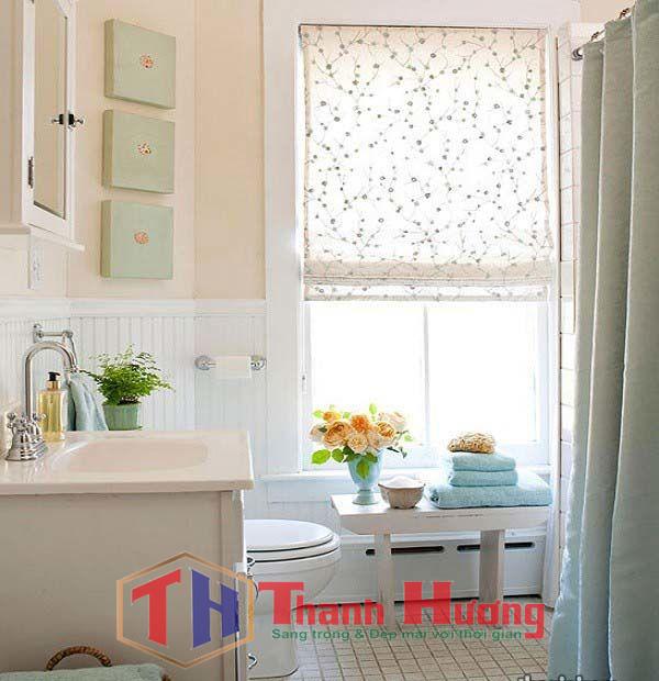 Mẫu rèm cửa sổ cuốn phòng ngủ họa tiết hoa văn kiểu hoang sơ