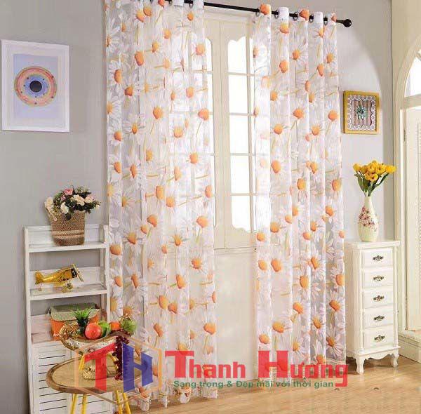 Mẫu rèm vải voan phòng khách phù hợp với gia đình yêu sự tinh tế