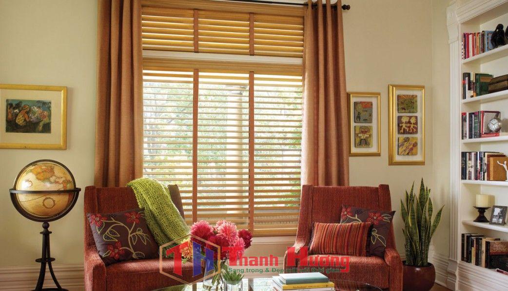Phòng làm việc sang trọng và kín đáo hơn với mẫu rèm gỗ