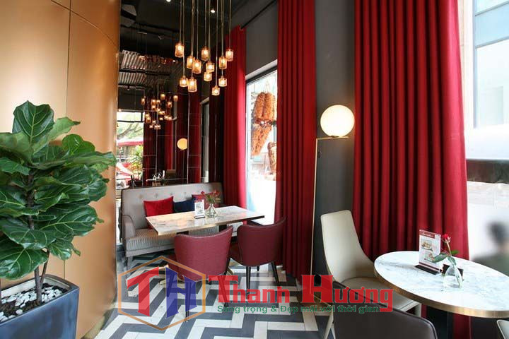 Rèm tông đỏ tuyệt đẹp cho các quán cafe hiện đại, sang trọng